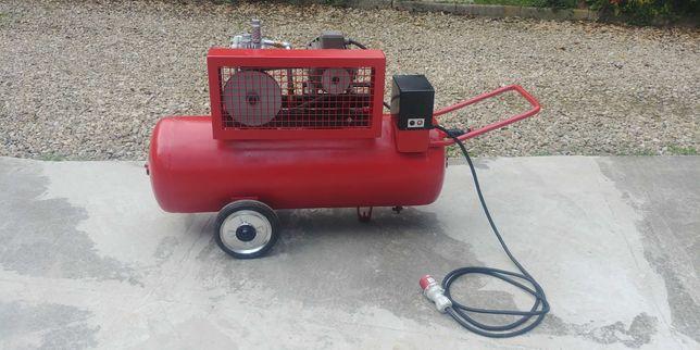 Kompresor dwutłokowy 2,2kW, butla 140l