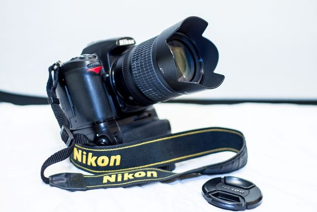 ПРОДАМ Фотоаппарат Nikon D7000 + AF-S Nikkor 18-105 1:3.5-5.6 G