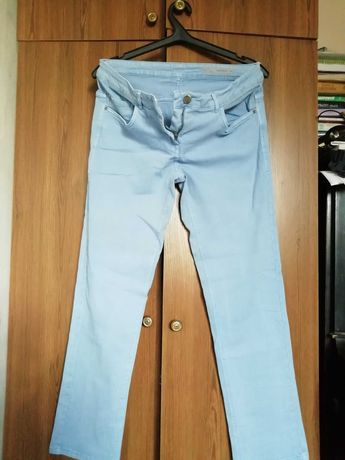 Продам джынсы (штаны) небесно-голубого цвета
