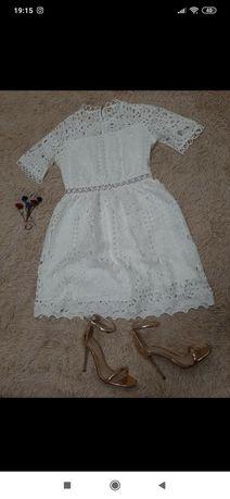 Плаття з кружева