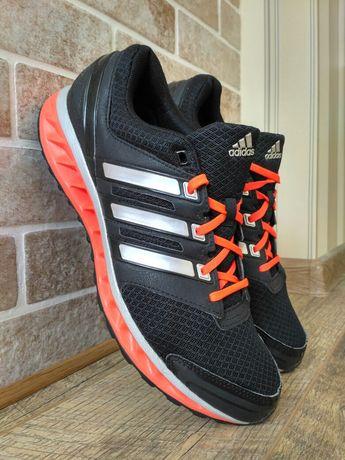 Кроссовки Adidas Run Strong р 43 на 42(28 см) ц 1100 гр(ориг,отл.сост)