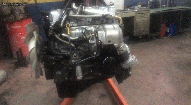 Motor mazda b2500