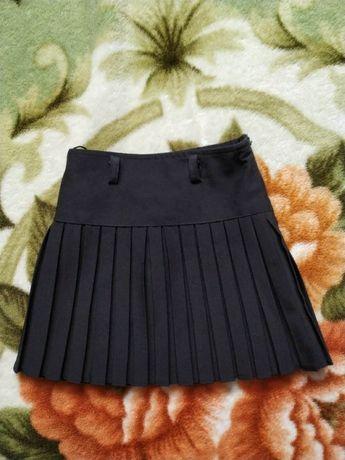 Черная школьная юбка для девочки 5-6 лет