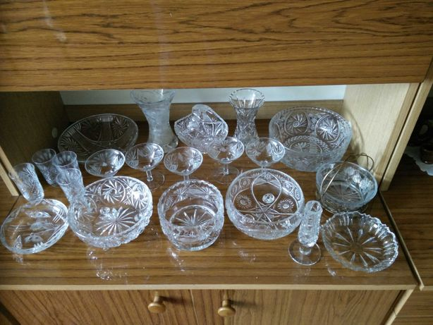 kryształowy wazon i kryształowe salatery