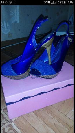 Продам туфли, босоножки