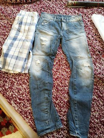 Джинсы и шорты на парня.