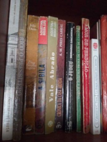 Livros usados variados