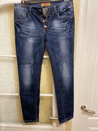 Женские джинсы зауженые