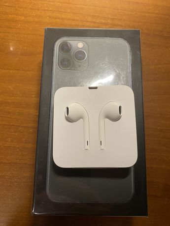 Продам наушники EarPods Lightning Iphone 11 Pro