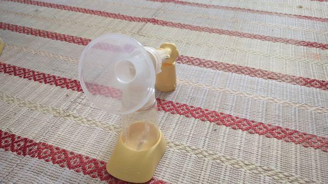 Bomba manual de leite materno