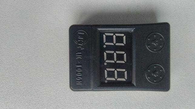 Medidor e avisador de bateria.