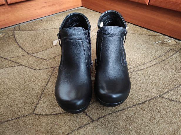 Женские кожаные ботинки 36 размер Mida Мида