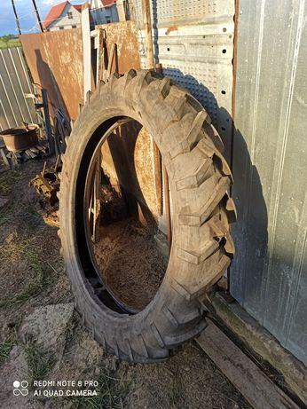 Вузька задня резина на трактор