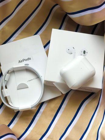 Продам Apple AirPods 2 Wireless Charging Case