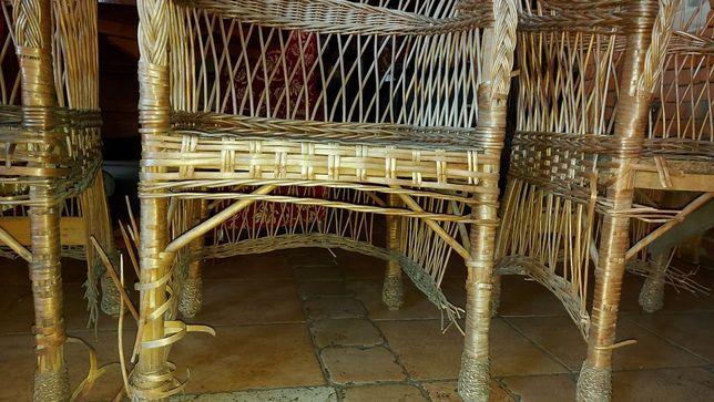 Продам стулья в нормальном состоянии