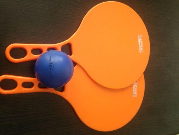 rakietki do zabawy z piłką (rakietki plastik, piłka lekka z pianki)