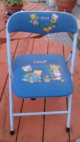 cadeira de criança em metal