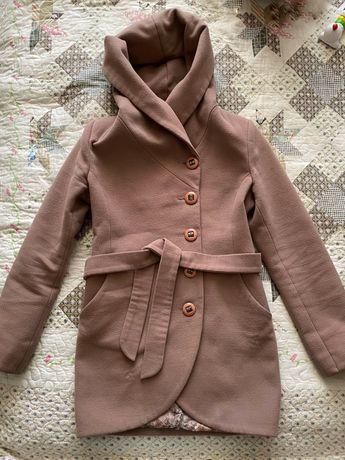 Пальто в хорошому стані