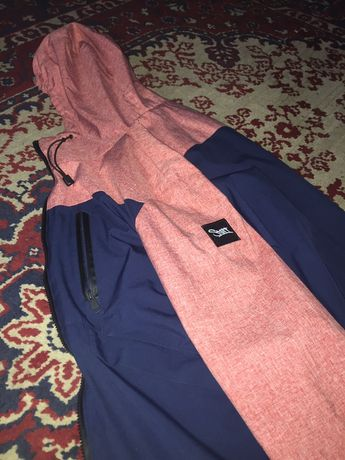 Продам куртку staff , не подошла по размеру женская