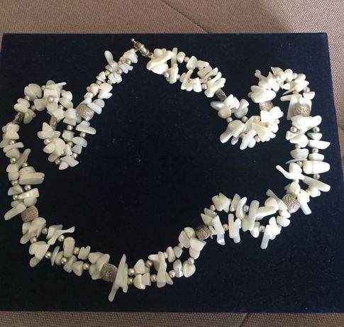 Бусы из натурального коралла