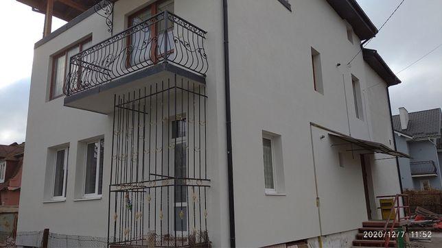 Продається двохкімнатна квартира в особняку по вул. Проста