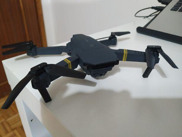 Drone E58 4K FPV c/ 4 Baterias