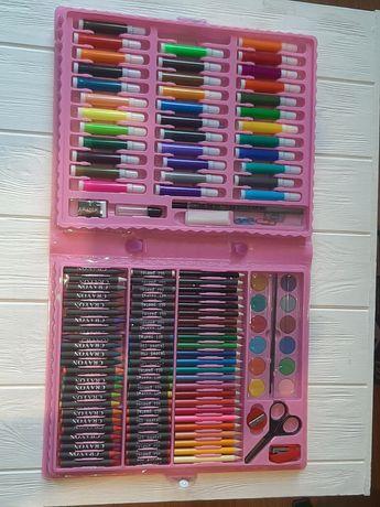 Детский набор для рисования в чемоданчике Art set 150 предметов.