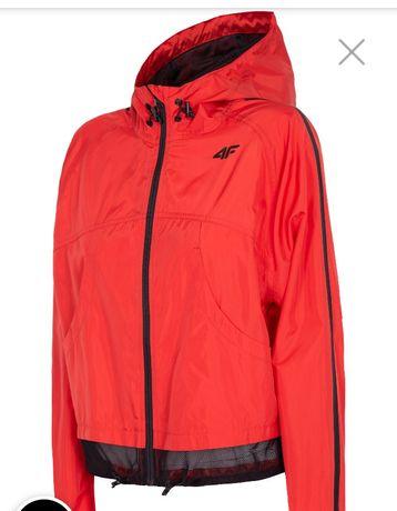 Nowa kurtka sportowa wiatrówka czerwona z czarnym zamkiem 4f rozmiar M