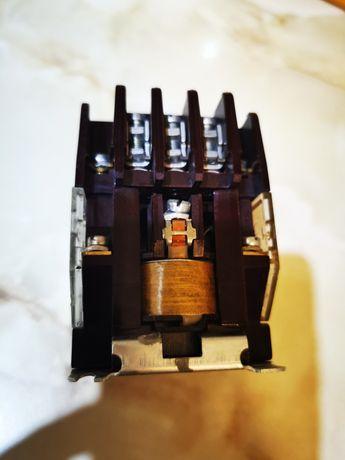 Stycznik styczniki 25A cewka 220V nieużywane