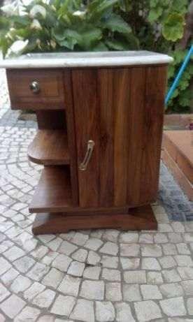 Mesinha de cabeceira vintage restaurada