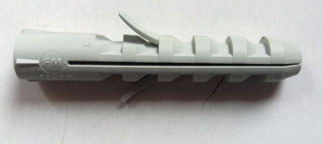 Дюбель пластиковый 14 мм
