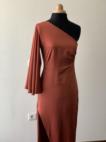 Vestido feito à mão assimétrico