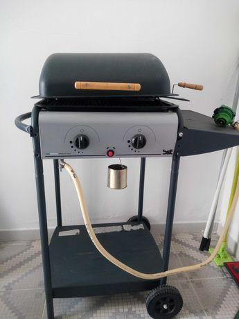 Churrasqueira ou barbecue a gás