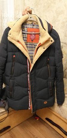 Продам чоловічу зимову куртку.