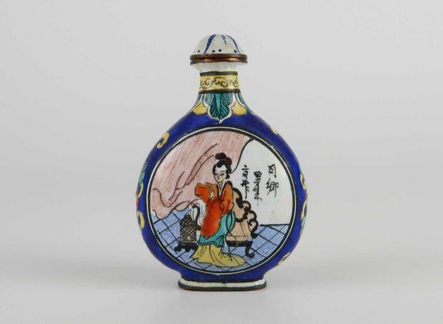 Snuff Bottle em esmalte de cantão - China