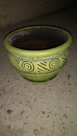 Doniczka ceramiczna z podstawkiem