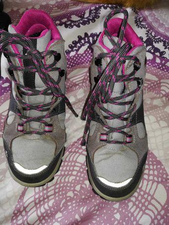 Botas de caminhada Quechua impermeáveis