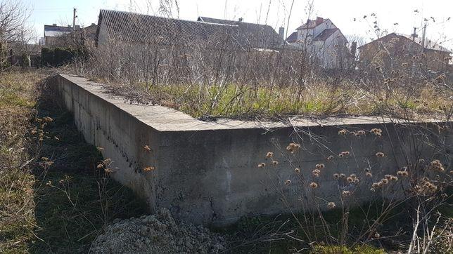 Земельна ділянка з армованим фундаментом