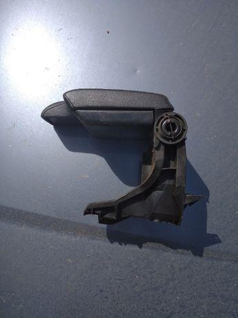 подлокотник BMW e46 ( черная кожа)