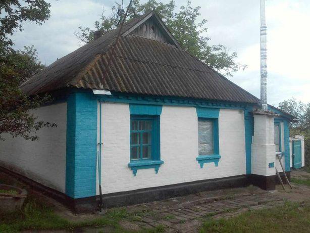 Будинок в селі Лосятин,обкладений цеглою,ділянка 50 сот,поруч ставок
