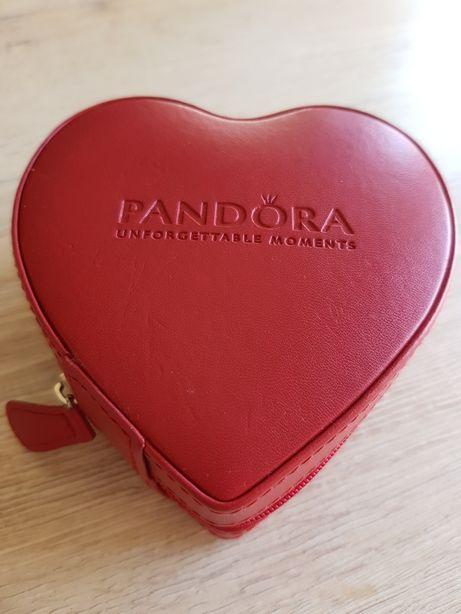Guarda-Jóias Pandora Coração