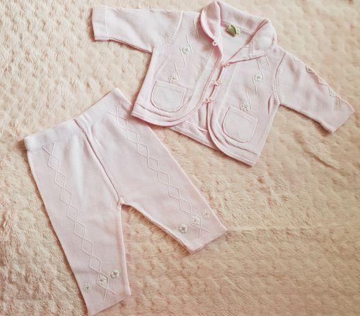 Komplet niemowlęcy George baby organic, dzianinowy sweterek i spodenki