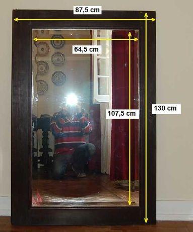 Espelho antigo de um roupeiro - anos 50