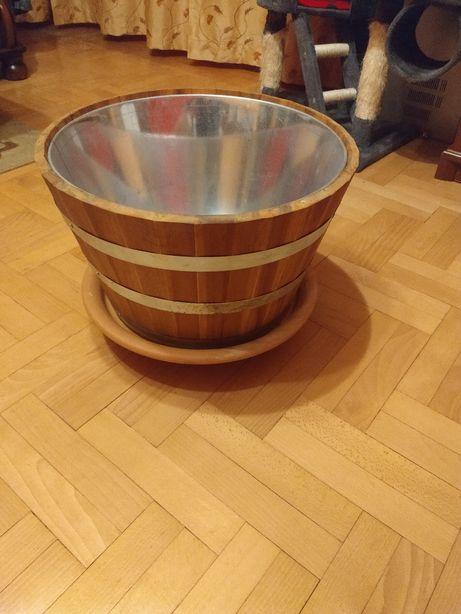 Donica, doniczka drewniana z podstawką ceramiczną i z kółkami