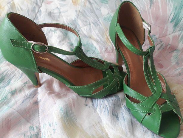 Туфлі Caravelle босоніжки босоножки туфли сандалі