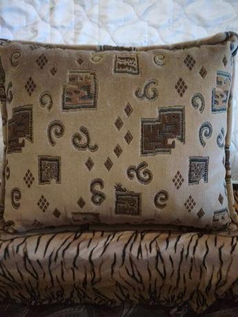 Продам подушки для дивана (не путать с декоративными подушками).