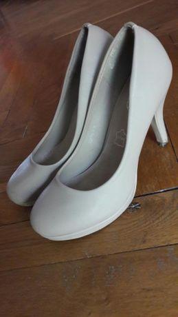 Pantofle szpilki rozm 37 Nude cieliste