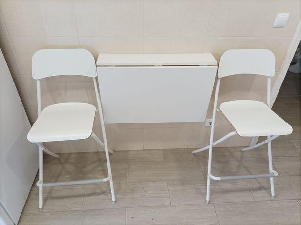 Mesa de parede dobravel +2 cadeiras