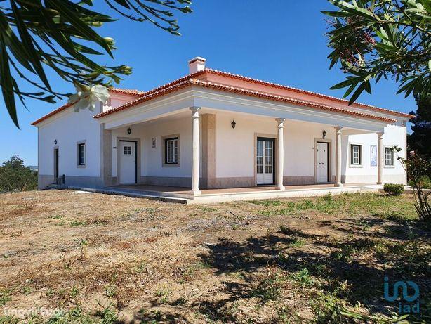 Moradia - 554 m² - T4