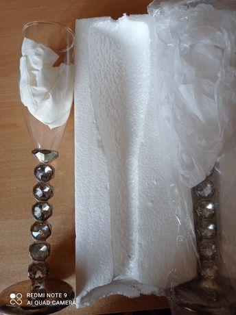 Бокалы свадебные с камешками на ножке. Ни разу не были в пользовании